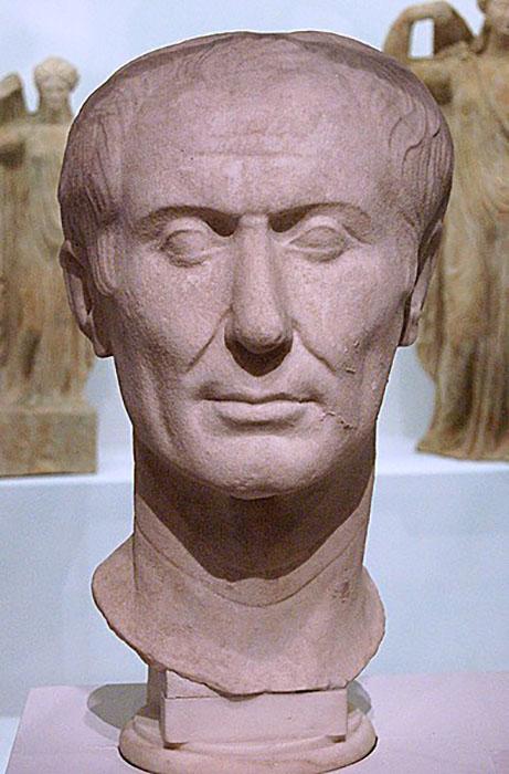 Тускуланский портрет, считающийся единственным сохранившимся прижизненным скульптурным портретом Цезаря.